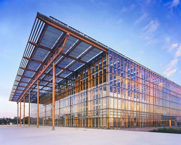 3059298-inline-1-10-beautiful-examples-of-solar-architecture